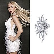 October 2020 Selling Sunset star Christine Quinn wearing Gabriel & Co.'s 18K White Gold Diamond Pave Oval Sunburst Statement Ring