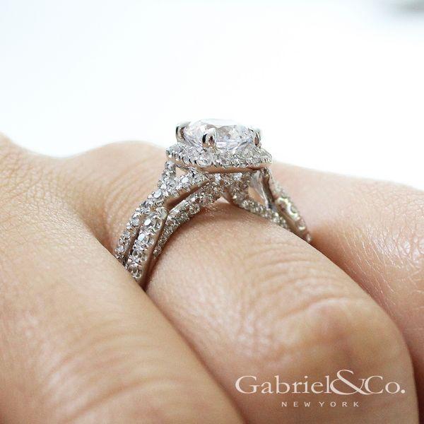 Freesia 14k White Gold Round Halo Engagement Ring