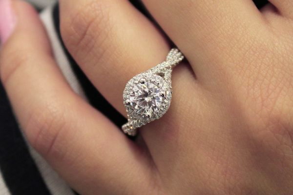 Freesia 14k White Gold Round Halo Engagement Ring