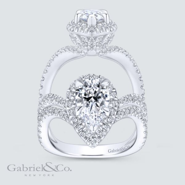 Hibiscus 18k White Gold Pear Shape Halo Engagement Ring