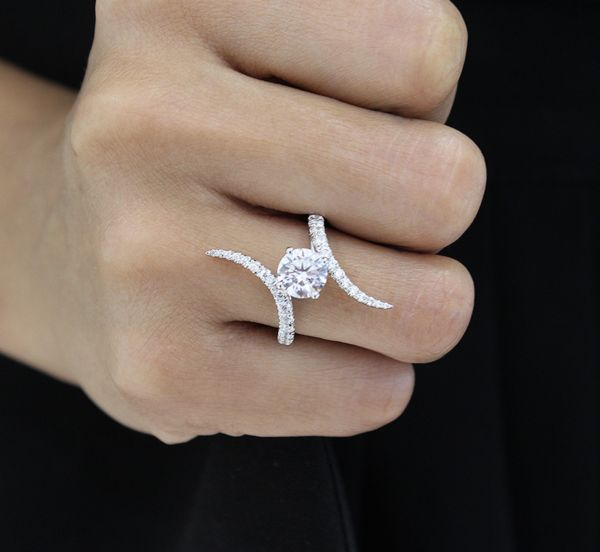 18k White Gold Round Bypass Engagement Ring