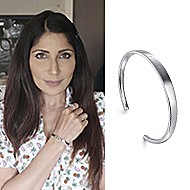 May 2020 Influencer Sobia Shaikh sharing the 91>19 Bangle on her instagram