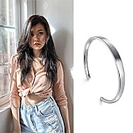 May 2020 Van Nguyen sharing her 91>19 Bangle