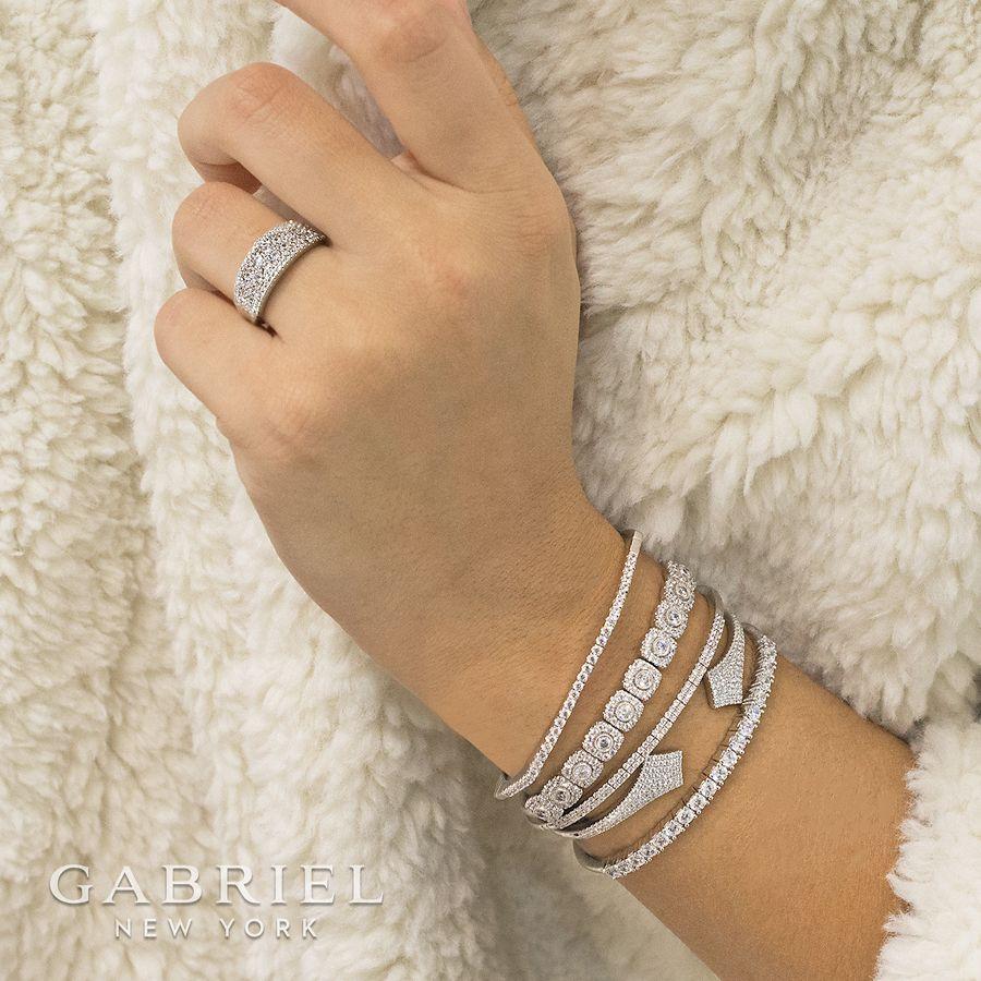 14K White Gold Curved Pav Diamond Ring