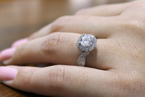 18k White Gold Round Halo Engagement Ring angle