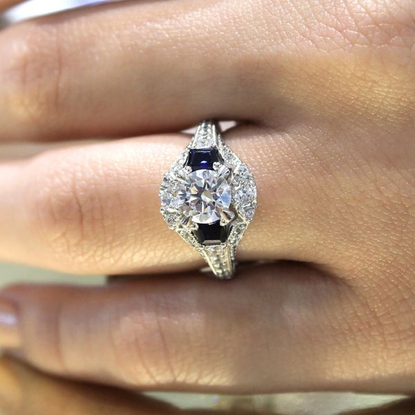 Greenwich 14k White Gold Round 3 Stones Engagement Ring