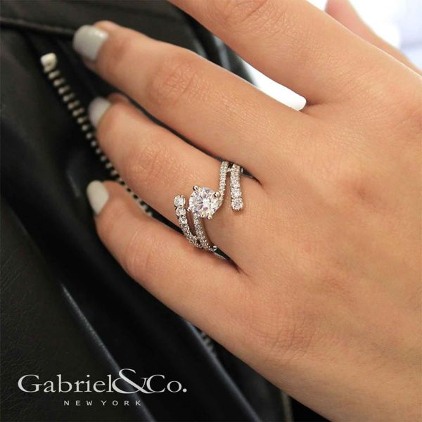 Umbra 14k White Gold Round Bypass Engagement Ring angle