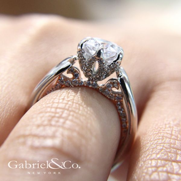 18k White And Rose Gold Round Twisted Engagement Ring angle