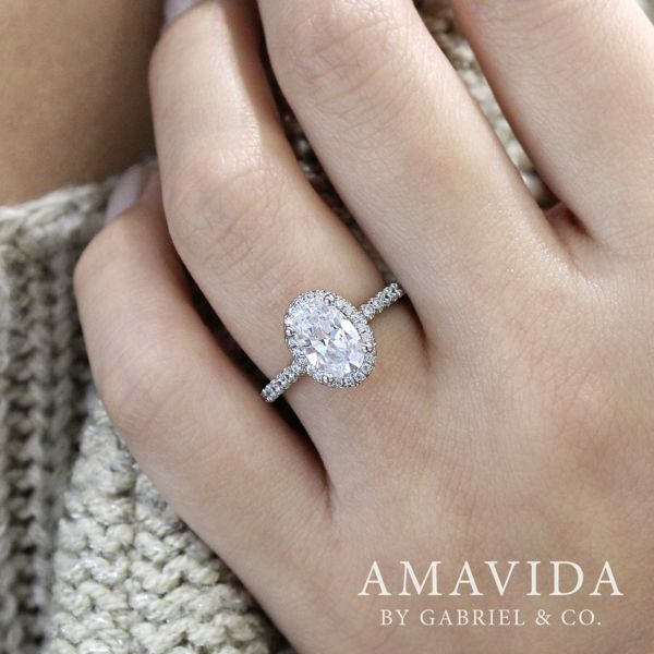 18K White Gold Oval Double Halo Diamond Engagement Ring