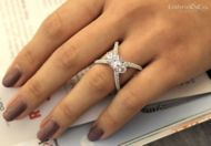 Aria 18k White Gold Round 3 Stones Engagement Ring angle