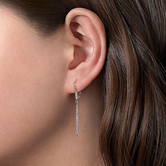 14k White Gold Tapered Diamond Drop Earrings