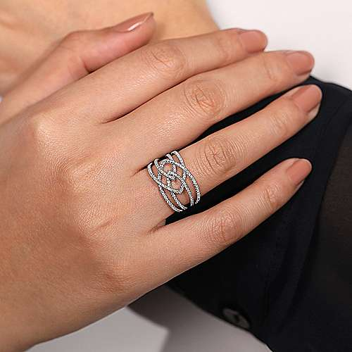 14K W. Gold Dia Ring angle 5
