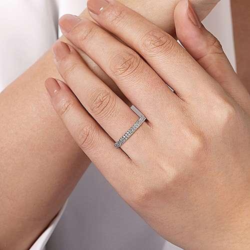14K W.Gold Diamond An Band angle 5