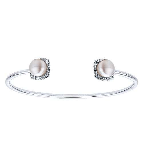 14K White Gold Diamond & Cultered Pearl Bangle