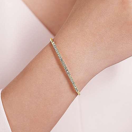 14K Y.Gold Diamond Bangle angle 4