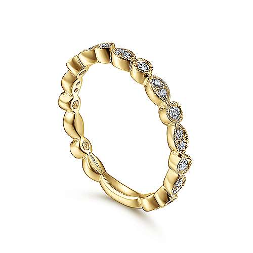14K Yellow Gold Diamond Ring   angle 3