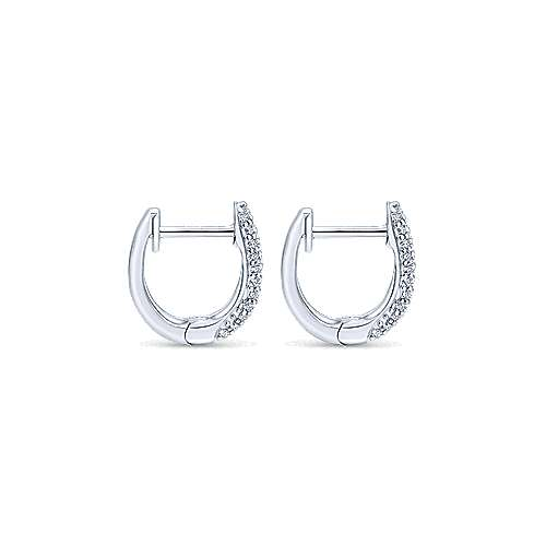 14KW.Gold, Dia,Earring         angle 2