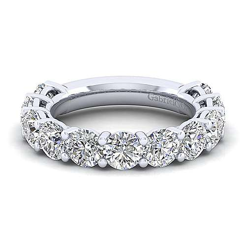 14k White Gold 11 Stone Shared Prong Band