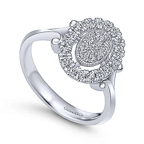 14k White Gold Clustered Diamonds Fashion Ladies
