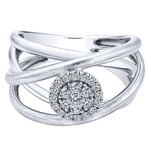 14k White Gold Clustered Diamonds Fashion