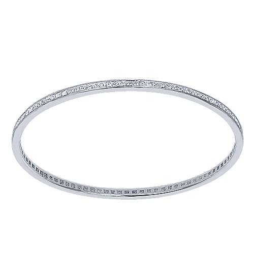 14k White Gold Lusso Bangle angle 1