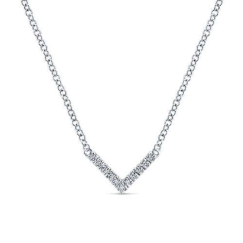 14k White Gold Lusso Bar Necklace angle 1