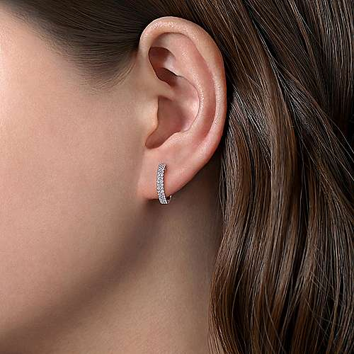 14k White Gold Scalloped Dual Column Diamond Huggie Earrings angle 2