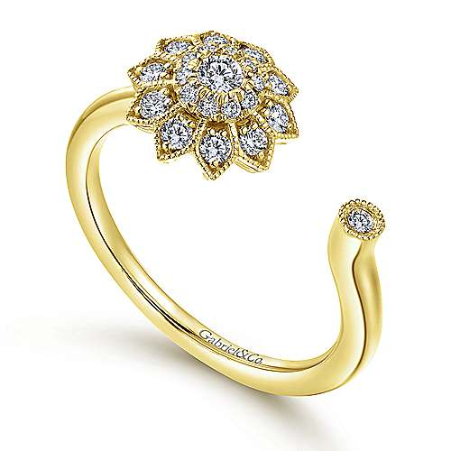 14k Yellow Gold Clustered Diamonds Fashion Ladies