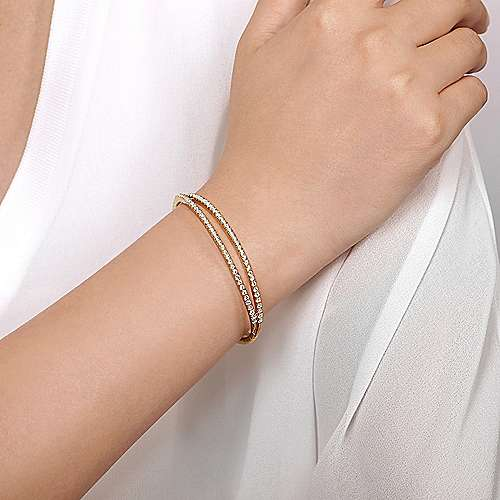 14k Yellow Gold Criss Cross Diamond Bangle Bracelet