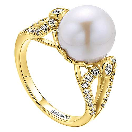 14k Yellow Gold Grace Fashion Ladies' Ring angle 3