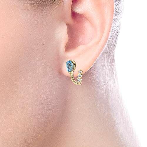 14k Yellow Gold Hampton Stud Earrings angle 4