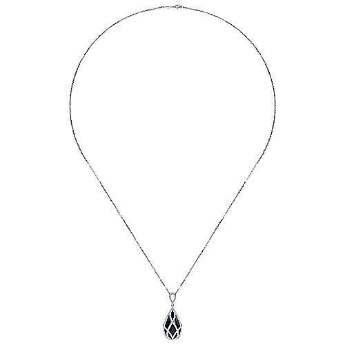 18K W.Gold,OnyxDia,Necklace    angle 2