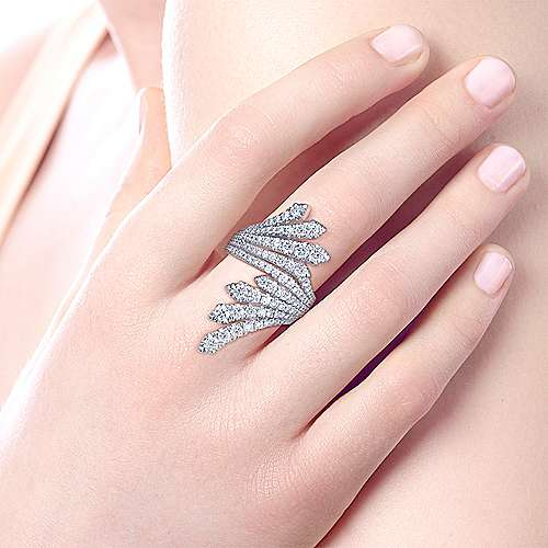 18K White Gold Dramatic Wide Band Wrap Ring