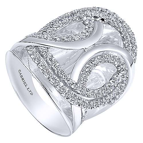 18k White Gold Contemporary Fashion Ladies