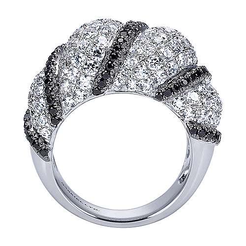 18k White Gold Diamond Black Diamond Fashion Ladies