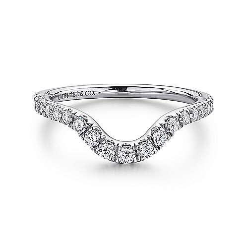 18k White Gold Diamond Curved