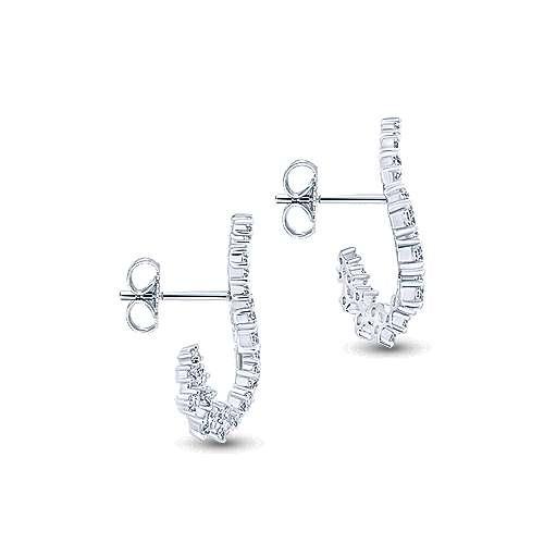 18k White Gold Diamond Drop Earrings angle 3