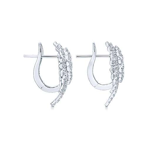 18k White Gold Diamond Stud Earrings angle 3