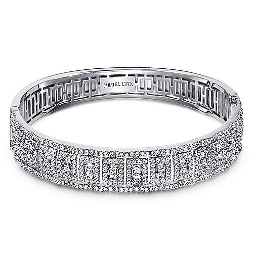 18k White Gold Lusso Bangle angle 1