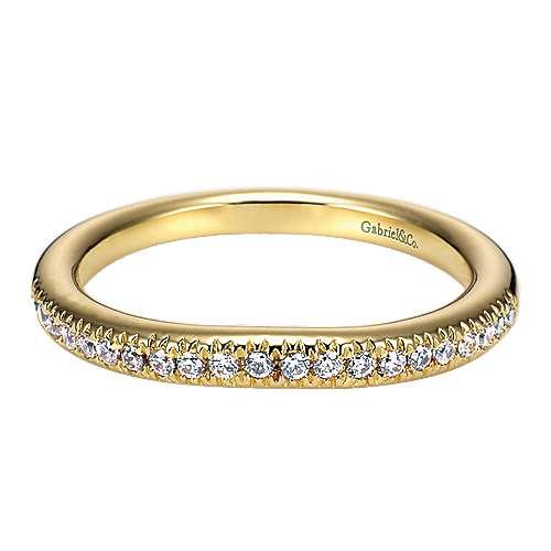 Gabriel - 18k Yellow Gold Victorian Curved Wedding Band