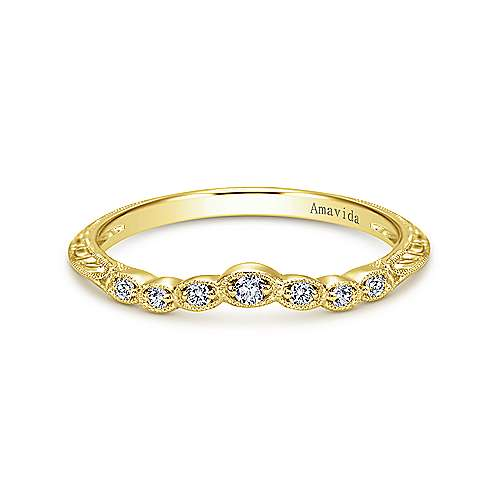 Gabriel - 18k Yellow Gold Victorian Curved Wedding Band