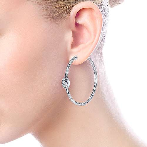 925 Silver Scalloped Classic Hoop Earrings angle 2