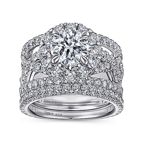Angelou 18k White Gold Round Halo Engagement Ring angle 4