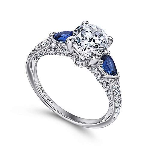Beso 18k White Gold Round 3 Stones Engagement Ring