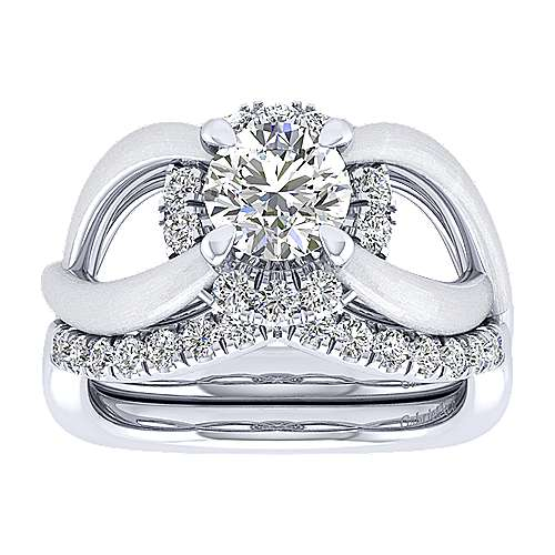 Chelly 14k White Gold Round Halo Engagement Ring angle 4