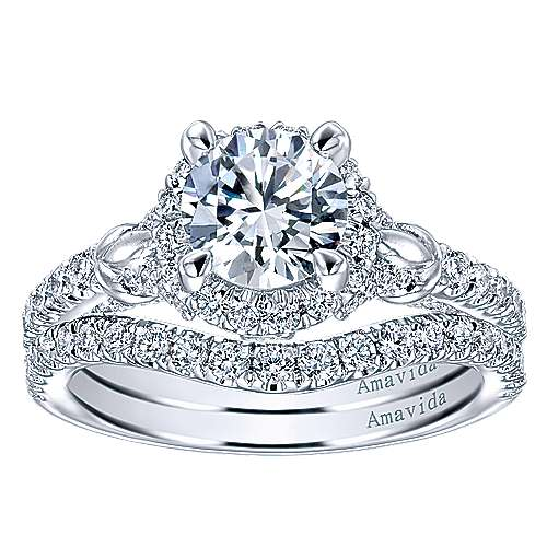 Fame 18k White Gold Round Halo Engagement Ring angle 4