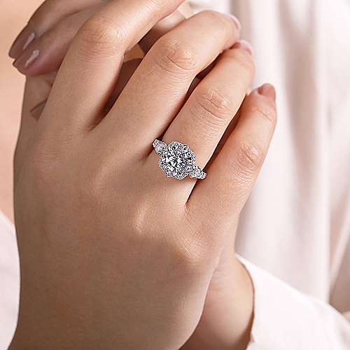 Julius 18k White Gold Round Halo Engagement Ring angle 6