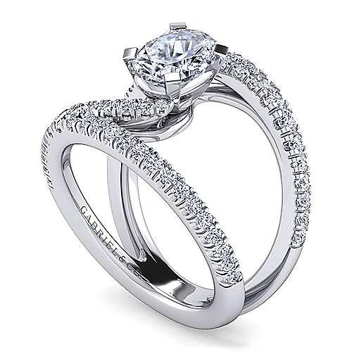 Oval engagement rings split shank