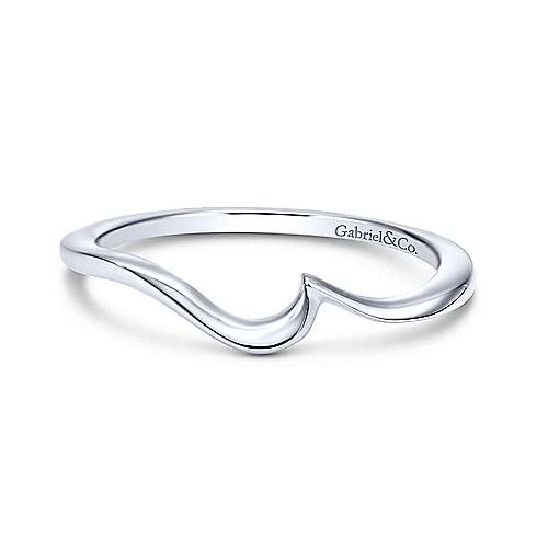 Platinum Contemporary Curved Wedding Band