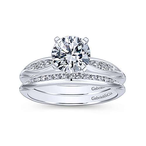 Quinn Platinum Round Straight Engagement Ring angle 4